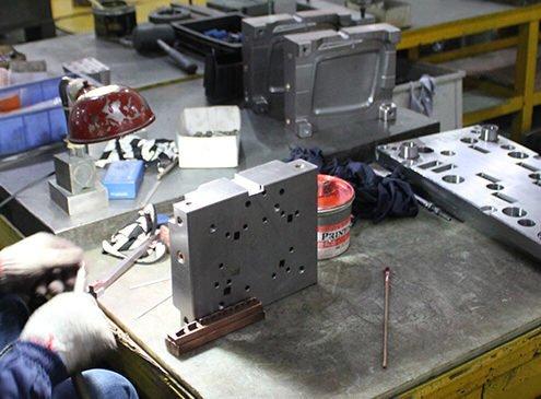 China Injection Molding - Plastopia
